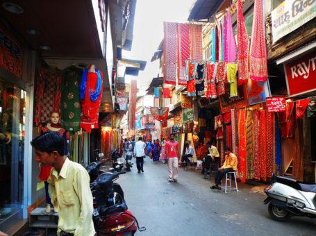 MT Cloth Market